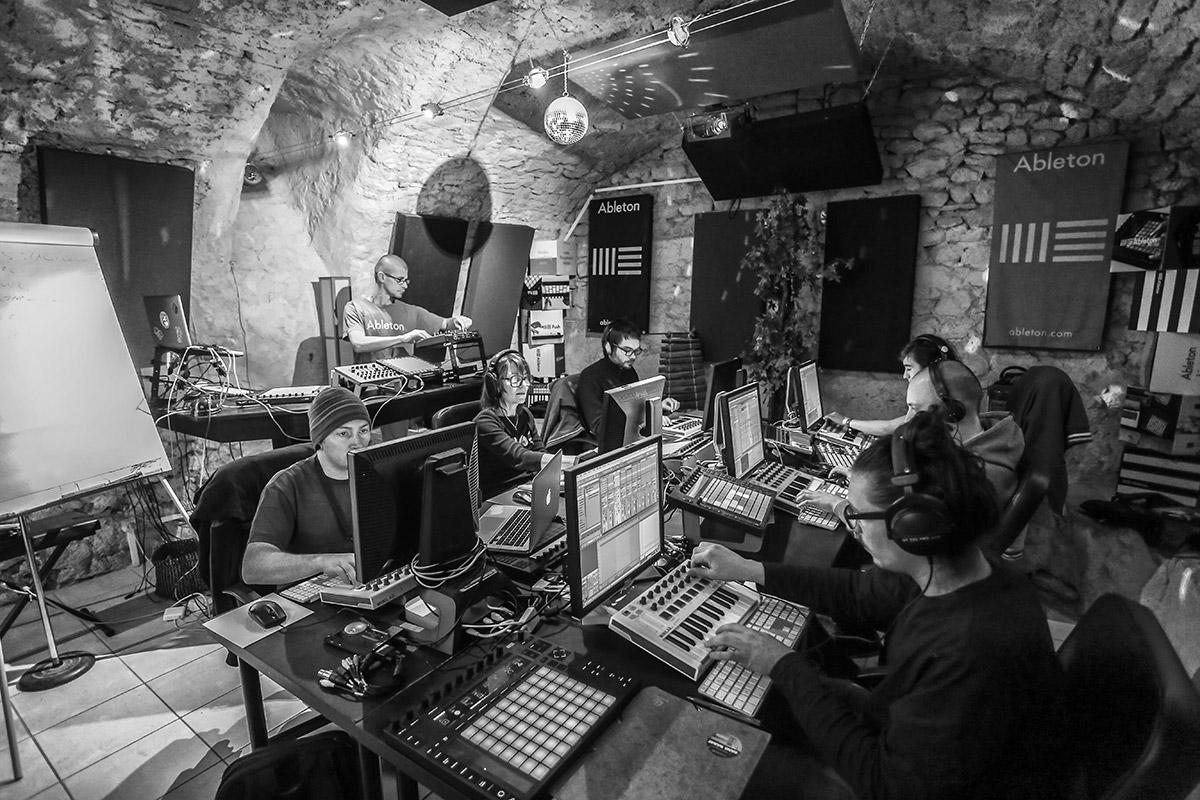 Les studios du centre de formation Fastlane à Montpellier